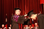 潘維大校長頒發學士班、碩士班學位證書
