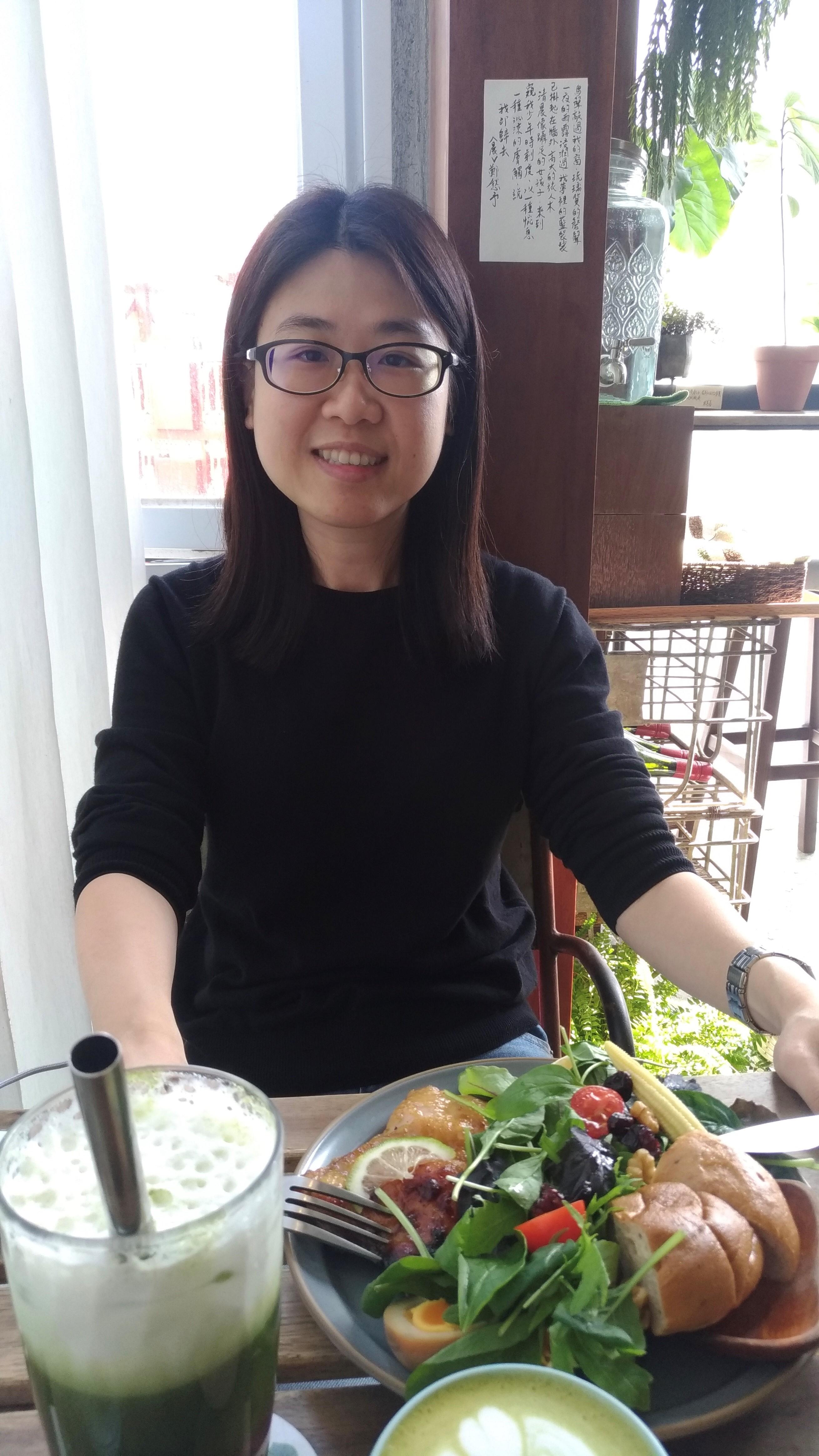 教師 「張琬瑩」老師照片